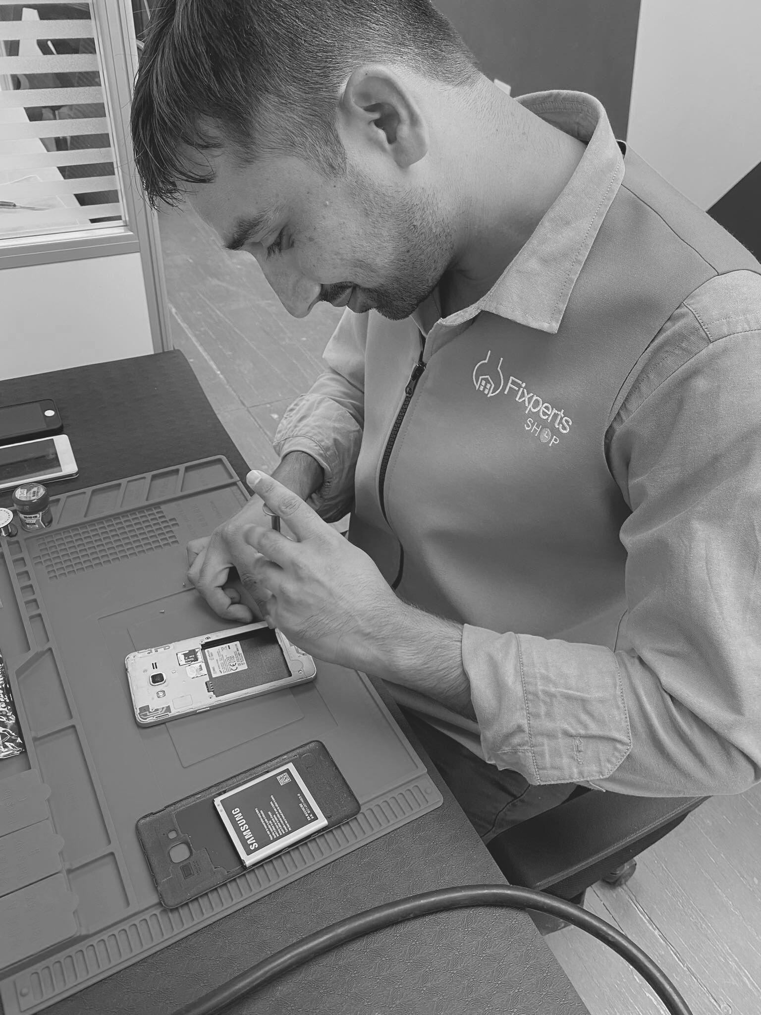 Mobile phone tablet repair
